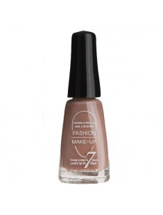 vernis à ongles beige - maquillage femme