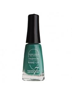 vernis à ongles vert d'eau - maquillage femme